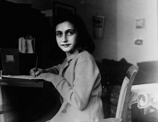 """""""Naučila sam jednu stvar: jedino nakon svađe možeš spoznati pravi karakter neke osobe."""" - Anne Frank"""